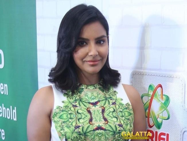 Priya Anand forays into Sandalwood
