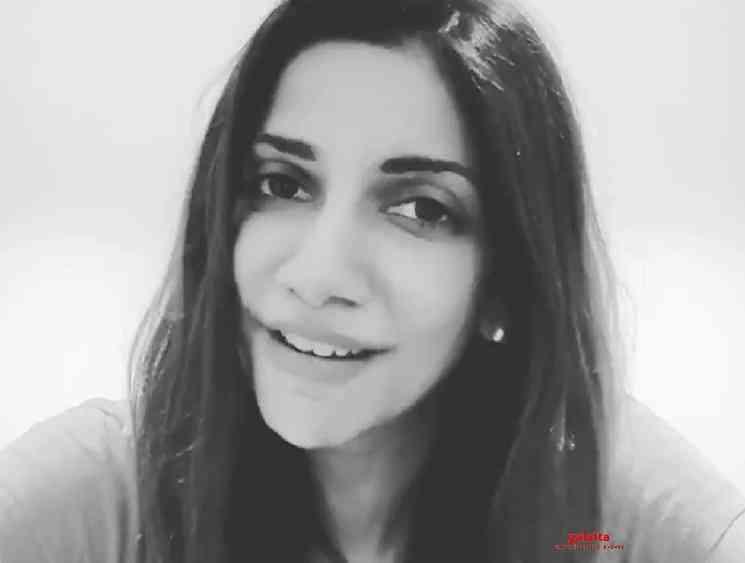 TV anchor Bhavna Balakrishnan sings Kannazhaga song video - Tamil Movie Cinema News