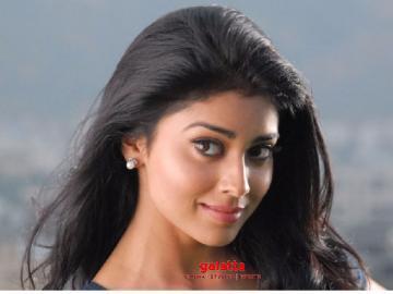 Shriya Saran to play Manju Warrier role in Asuran Telugu remake - Tamil Movie Cinema News