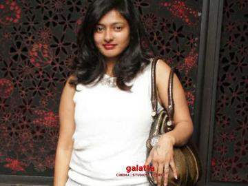 Gayathri Raguramm advises students to not take part in protests - Tamil Movie Cinema News