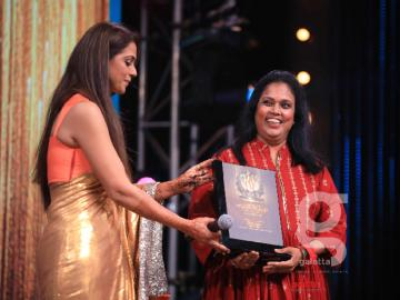 Simran and Brindha rocked the Galatta Wonder Women Awards 2019 stage!