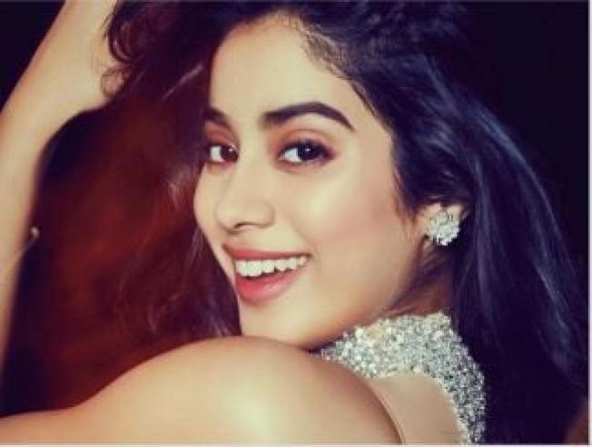 Janhvi Kapoor the Dhadak actress welcomes this leading Tamil heroine to Bollywood - Tamil Movie Cinema News