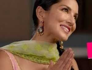 Sunny Leone's New Comedy Promo From Her New Movie!