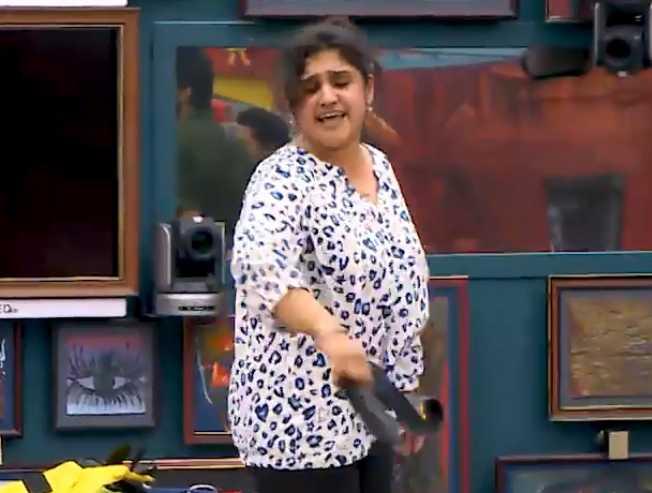 Bigg Boss 3 July 12 promo fight between Vanitha and Tharshan