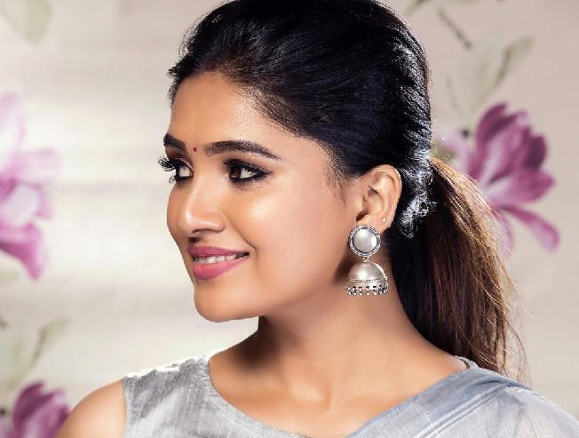 Vani Bhojan to play the female lead making her Telugu debut in Vijay Deverakonda production - Tamil Movie Cinema News