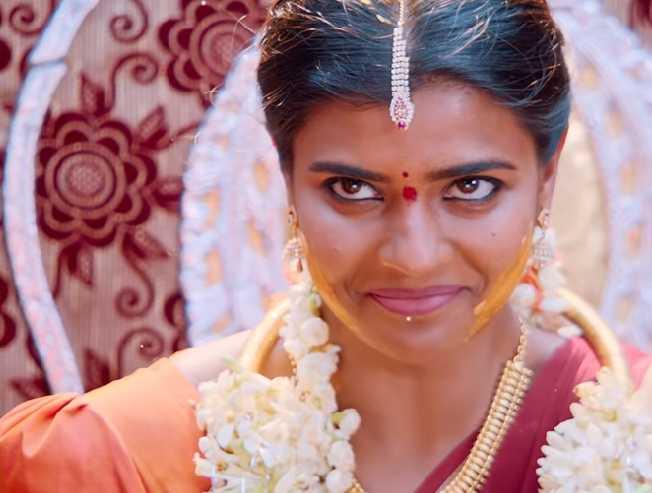 Aishwarya Rajesh Kousalya Krishnamurthy Muddabanthi lyric video - Tamil Movie Cinema News
