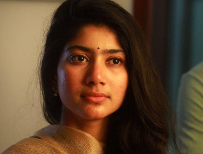 Director Vijay denies the rumour of getting married to Sai Pallavi Diya