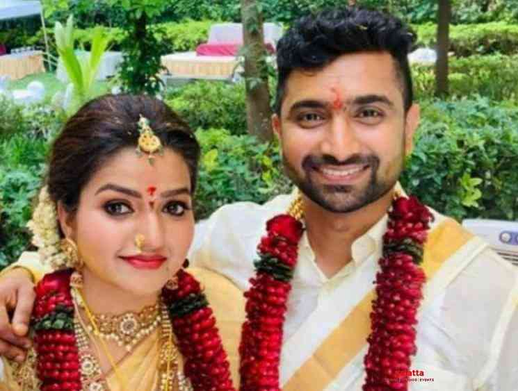 Nithya Ram romance responsibly with a corona kiss picture - Tamil Movie Cinema News