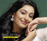 A folk number for Padmapriya!