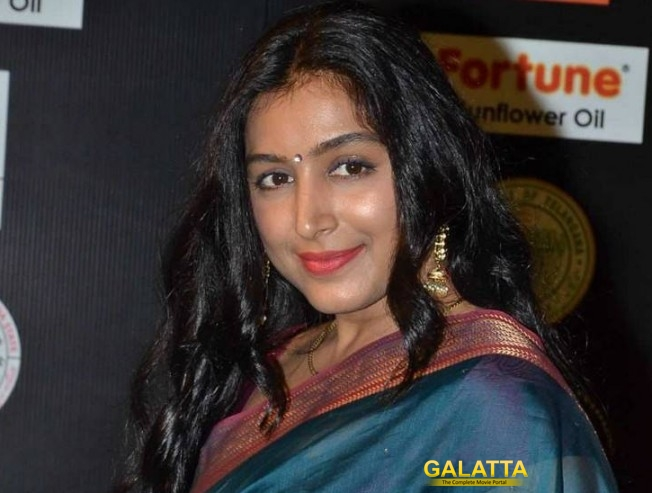 Padmapriya steps in Sofia Vergara's shoes
