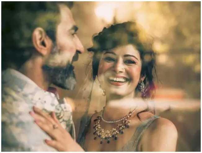 Pooja Batra Nawab Shah wedding Ajith heroine Kandukondain  - Tamil Movie Cinema News