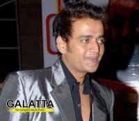 Ravi Kishan doesn't take breaks between shoot!