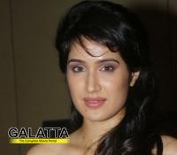 Sagarika Ghatge files a case against real estate firm!