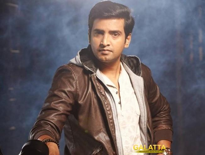 Santhanam plays a cop in Odi Odi Uzhaikkanum