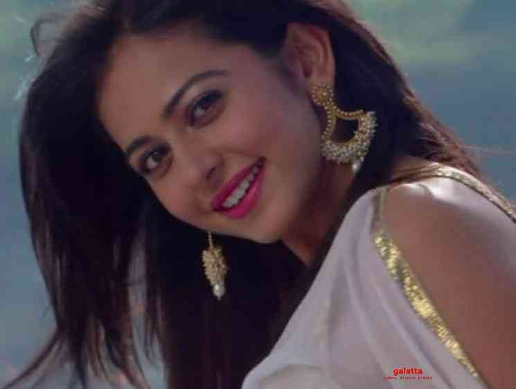 Rakul Preet Singh Sau Galtiyan Shimla Mirch Rajkummar Rao - Tamil Movie Cinema News