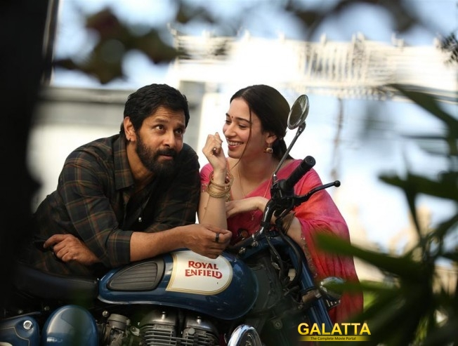 Sketch Promotions With Vikram And Tamannaah In Kochi Kerala