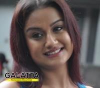 Oru Nadigayin Vakku Moolam as Kathanayaki in Telugu