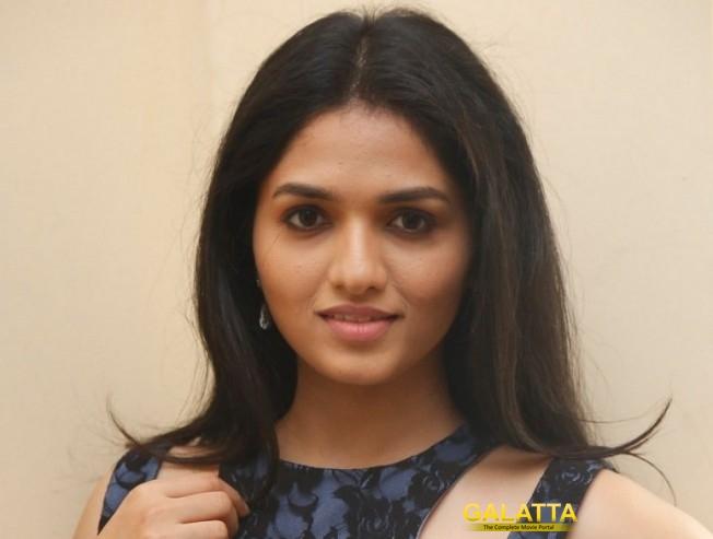 Sunaina Celebrates her Birthday Today
