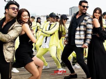 Thumka Video Pagalpanti YO YO Honey Singh Anil John Ileana - Tamil Movie Cinema News