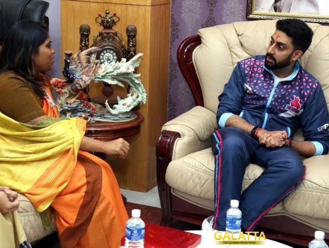Abhishek Bachchan in Chennai Jaipur Pink Panthers Sathyabama Partner Pro Kabaddi League