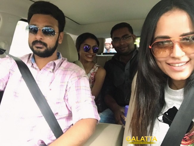 mankatha producer watches vivegam with family - Tamil Movie Cinema News