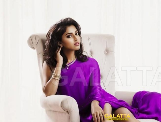 Amala Paul's role in Vada Chennai