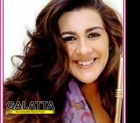 Amrita Singh avoids Saif's beau, Kareena Kapoor!