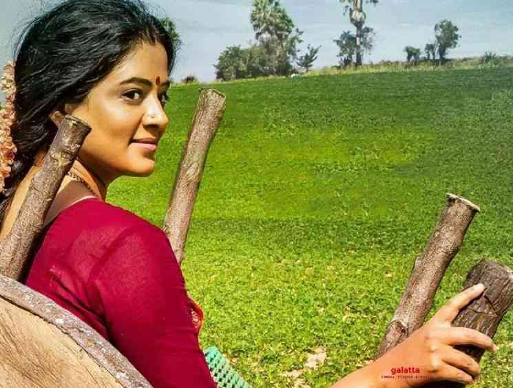 Asuran Telugu remake Narappa new poster released ft Priyamani - Tamil Movie Cinema News