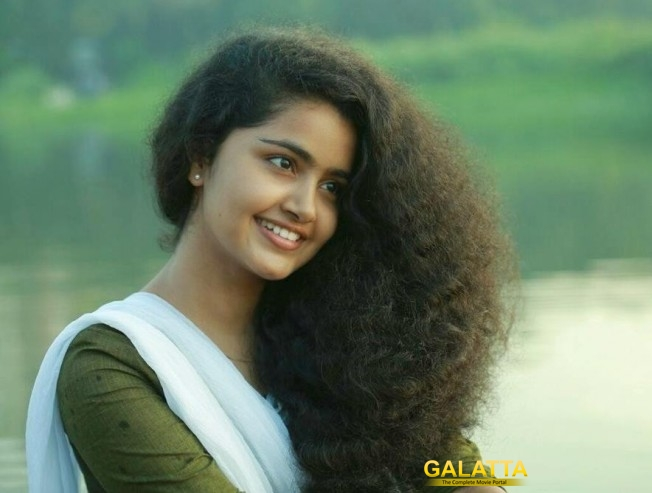 It's Anupama, not Madonna for Dhanush