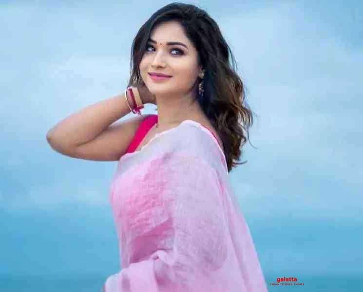 சோசியல் டிஸ்டன்ஸிங்கிற்கான டிரஸ் இதுதான்... ஆயுத எழுத்து சரண்யா பதிவு !- Latest Tamil Cinema News