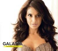 Bipasha Basu eyeing Challenging roles!