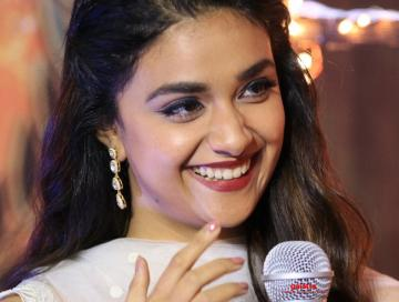 Keerthy Suresh at Galatta Wonder Women awards - Tamil Movie Cinema News