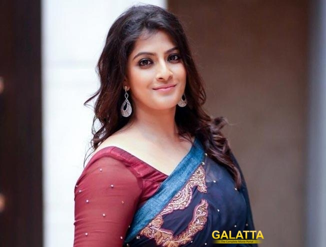 Varalaxmi Sarathkumar to make her Telugu debut with Tenali Rama Krishna BABL