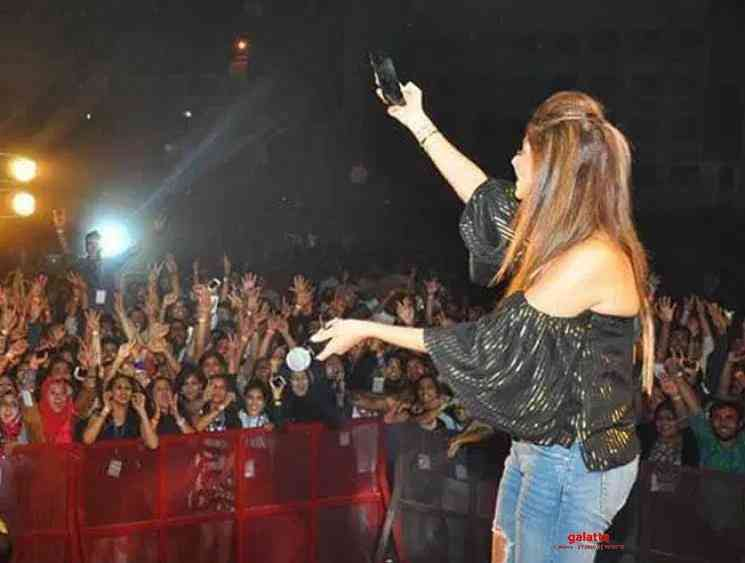 1st Indian celebrity corona patient is Singer Kanika Kapoor - Tamil Movie Cinema News