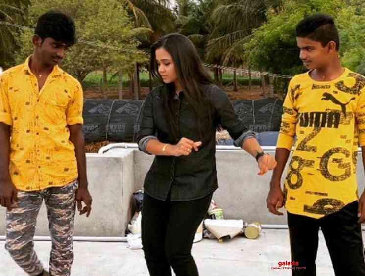 Anchor Manimegalai dance video during lockdown - Tamil Movie Cinema News