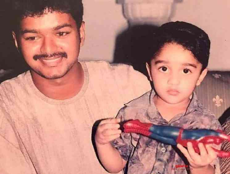 Vanitha Vijayakumar posts throwback photos with Thalapathy Vijay - Tamil Movie Cinema News