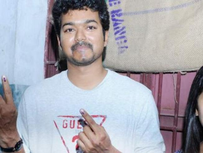 Kollywood Actress Casting Vote In Election Details Booth Locations