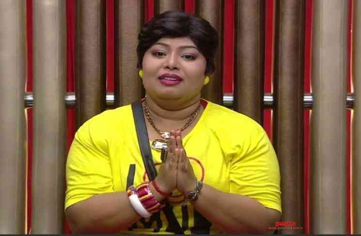 Bigg Boss Harathi slipper shot reply to an indecent Vijay fan - Tamil Movie Cinema News
