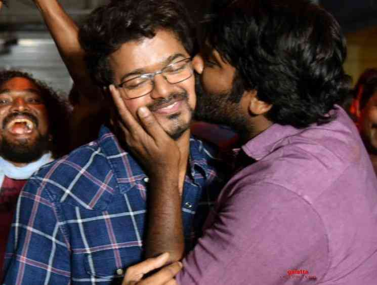Vijay-Vijay Sethupathi kissing photo at Master shooting spot - Tamil Movies News