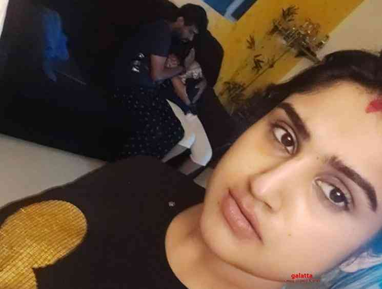 Vanitha Vijayakumar shares her wedding ring picture Peter Paul - Tamil Movie Cinema News