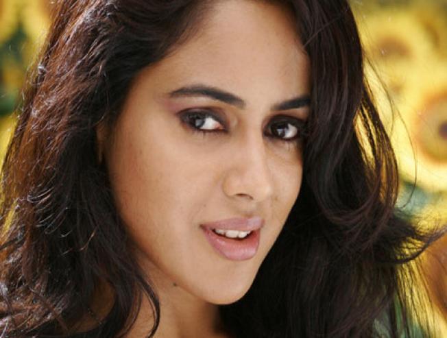 Sameera Reddy Pregnant With Her Second Child Varanam Aayiram - Tamil Movie Cinema News
