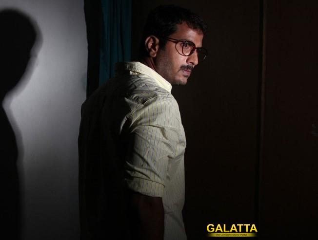 Jithan Ramesh snaps Velainu Vandhutta Vellaikaaran Telugu rights