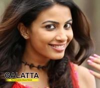 Shivani actress is an Arya fan