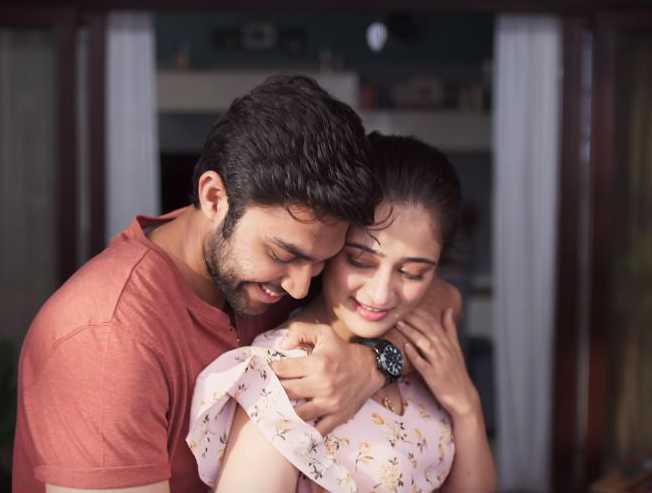 Thaarame Thaarame Kadaram Kondan romantic video song released - Tamil Movie Cinema News