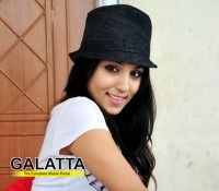 Lekha Washington's next with Santosh Sivan