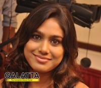 Manisha furious with Seenu Ramasamy!