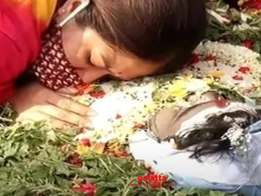 Heartbreaking video of Meghana Raj from her husband's funeral | Chiranjeevi Sarja-