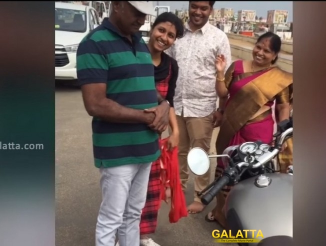 MS Bhaskar Talks about Surprise Bullet gift by dauther Aishwarya
