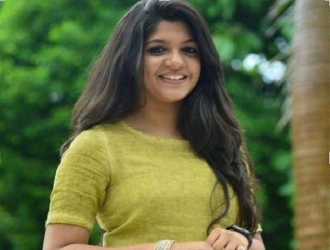 I want a biopic like Keerthy Sureshs Mahanati Aparna Balamurali GV Prakash Sarvam Thaala Mayam Drishyam Jeethu Joseph Mr and Miss Rowdy - Tamil Movie Cinema News