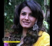 Raveena takes the cleanliness pledge!